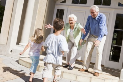 Дарственная на квартиру двум внукам у одного есть доля в этой квартире