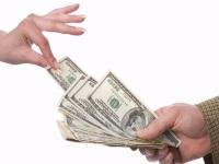 Налог на дарение в 2019 году: когда и сколько платится?