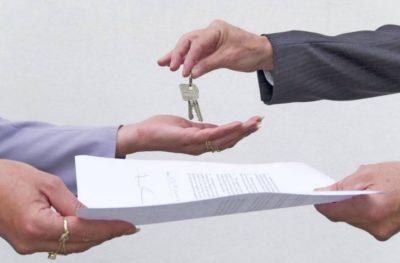 Как правильно заключать договоры аренды квартиры: краткий, с организацией, без животных и без оплаты, на английском языке и другие виды